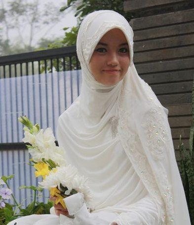 Gaun Tunanganbaju Lamaran Islami